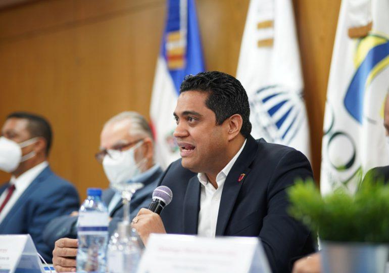 Presidente de Fedomu firma carta compromiso del MEPyD con 25 gobiernos locales