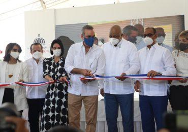Presidente Abinader inaugura centro educativo en Puerto Plata