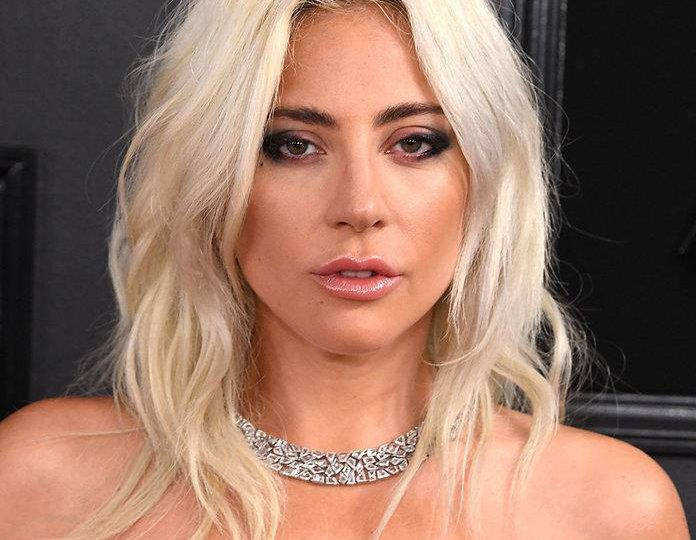 Novio de Lady Gaga le envía flores desde  Roma por su cumpleaños 35