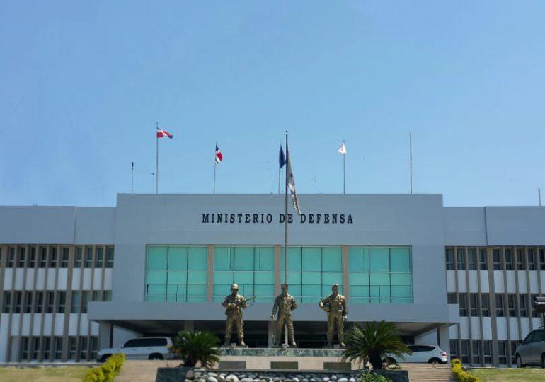 Gobierno asciende a 4,172 miembros de las Fuerzas Armadas