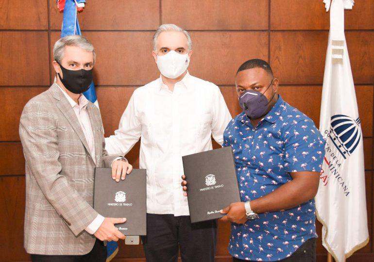 Firman pacto colectivo entre Falcondo y sindicato de trabajadores