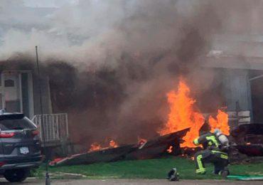 Avión militar se estrella contra una casa en Bolivia dejando al menos un muerto