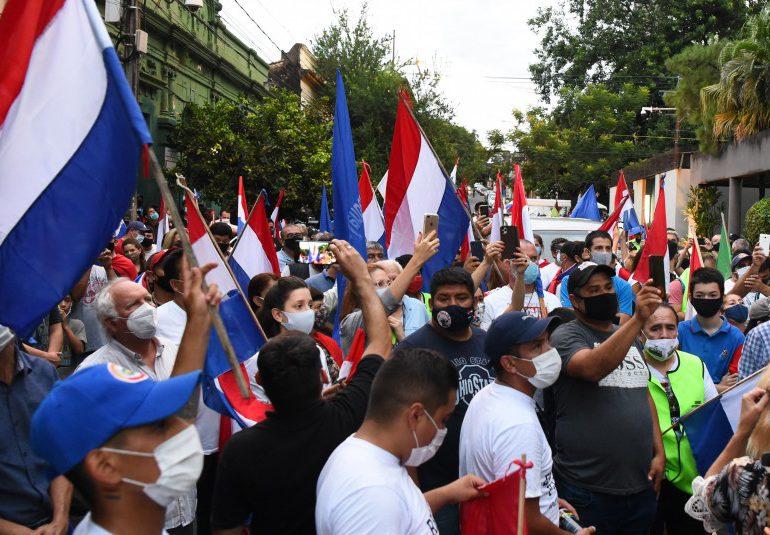Cambios en el gobierno de Paraguay ante crisis derivada de la pandemia