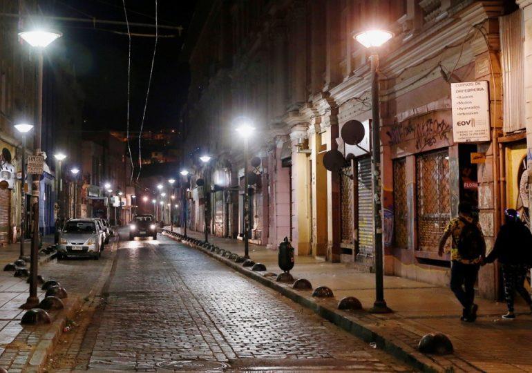 Chile confina a casi 14 millones de personas por fuerte alza de contagios de covid