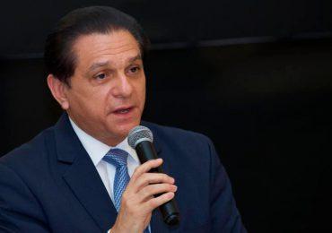 Ministro de Salud asegura aumentan las plazas de residencias médicas