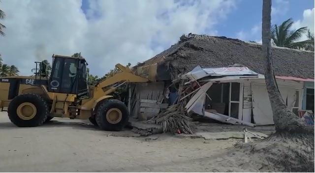 VIDEO | Autoridades continúan operativo de rescate de la playa Cabeza de Toro en Punta Cana