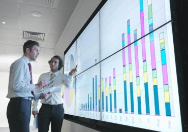 Servicios financieros deben entender mejor la forma de pensar de sus clientes, según experto