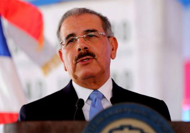 VIDEO | Ciudadanos exhortan al expresidente Danilo Medina a que se vacune