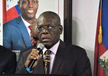Haití prohíbe tintado en cristales de los vehículos