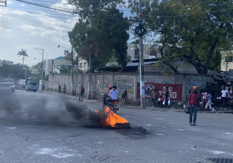 Video   Día tenso en Puerto Príncipe, Haití