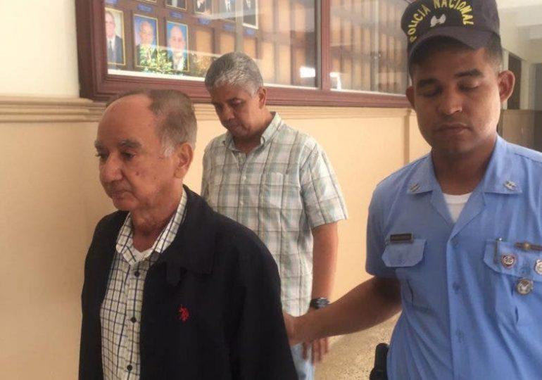 Munné presenta nueva querella contra Luis Espinal por fraude millonario