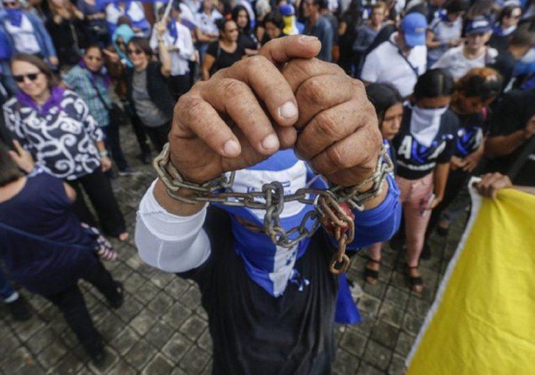 Más de 100 opositores están presos en Nicaragua, dice ONG