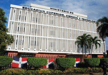 MESCYT anuncia convocatoria de becas nacionales 2021