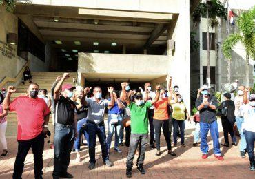 Desvinculados del Estado convocan protestas en reclamo al pago de prestaciones laborales