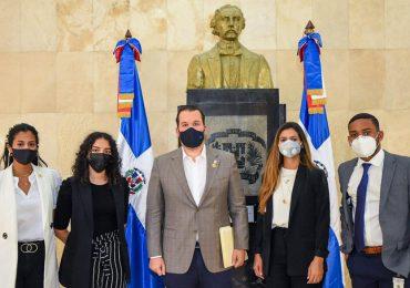 Jorge Villegas deposita proyecto de ley que regula el teletrabajo en RD