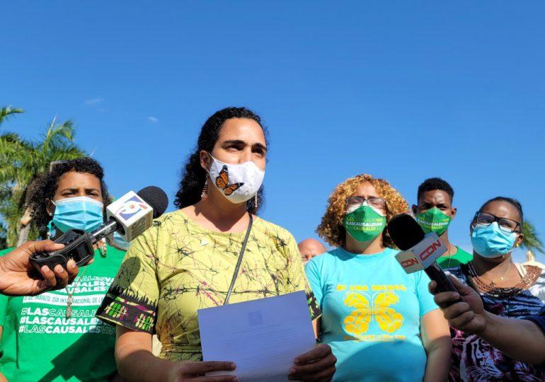Alianza País apoya las tres causales y demanda de otros partidos dejar de jugar con los derechos de las mujeres