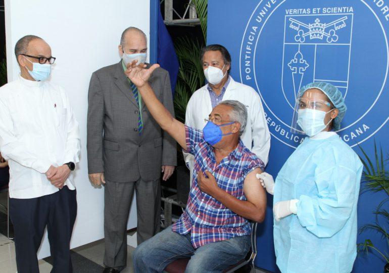 ¡AVISO! Centro vacunación de la PUCMM está a su máxima capacidad