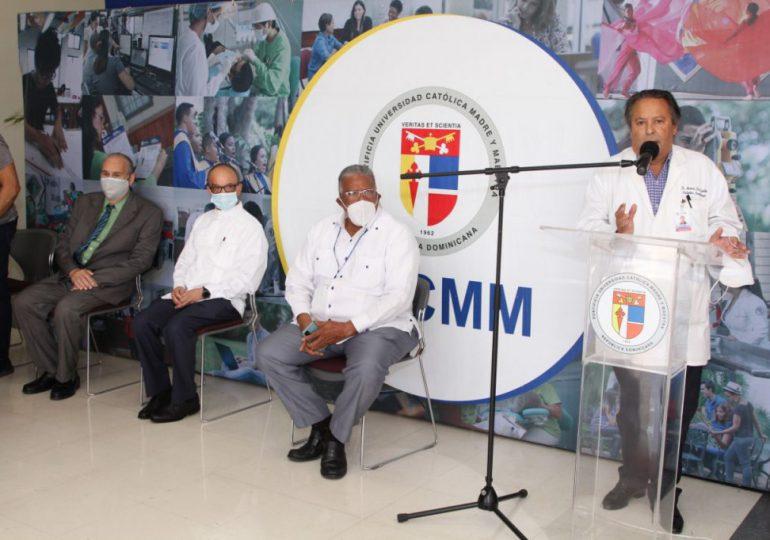 PUCMM informa aplicará solo 400 vacunas por día en recinto Santo Domingo
