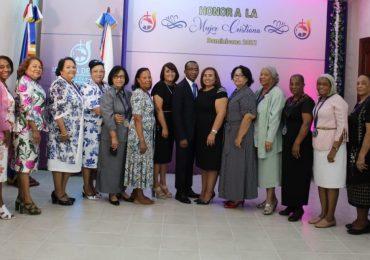 Concilio Iglesia de Dios reconoce la labor ministerial y profesional de las mujeres