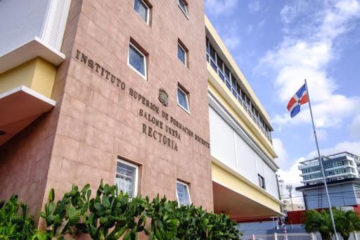 Presidente Abinader designa  a Nurys María del Carmen González como rectora del ISFODUSU
