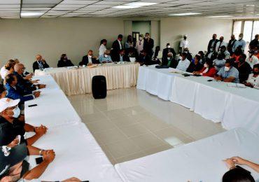 Minerd interviene escuelas en el Cibao para retornar a clases presenciales