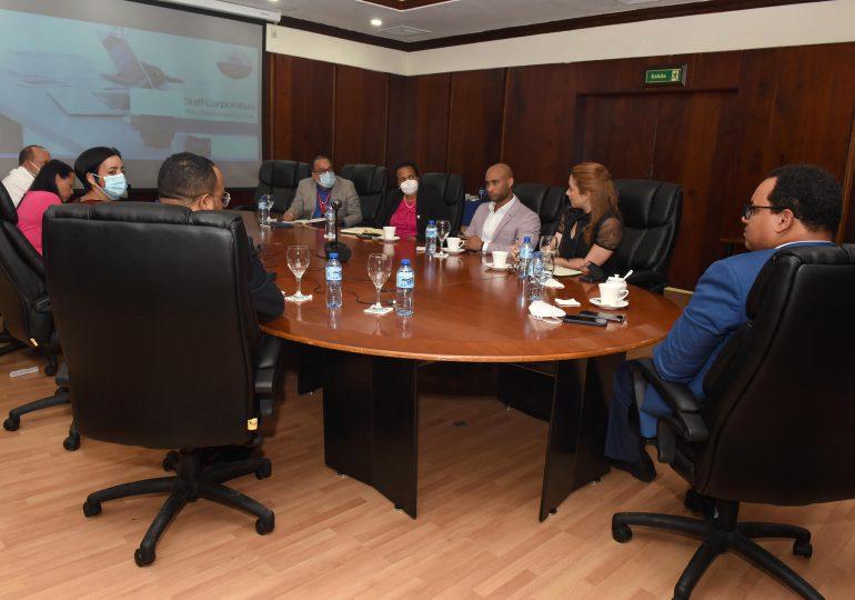 Crean mesa de trabajo para facilitar acceso a beneficiarios del Bono Luz