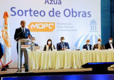 MOPC realiza en Azua sorteo de 45 obras por un monto superior a RD$183 millones