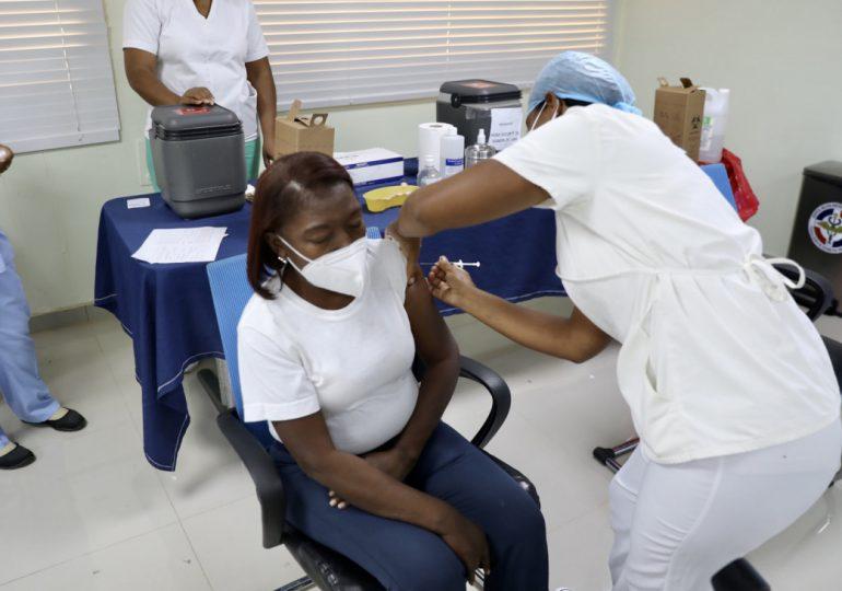 Coronavirus RD | Reportan 480,237 vacunados, 252 nuevos contagios y 12 fallecimientos