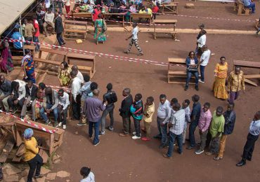 Termina la primera vuelta de elecciones en Congo, cuyo presidente aspira a la reelección