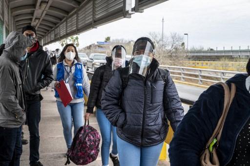 México respira tras duro azote del covid-19