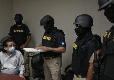 Detienen funcionarios por sobrevalorar compra de hospitales especializados en Honduras