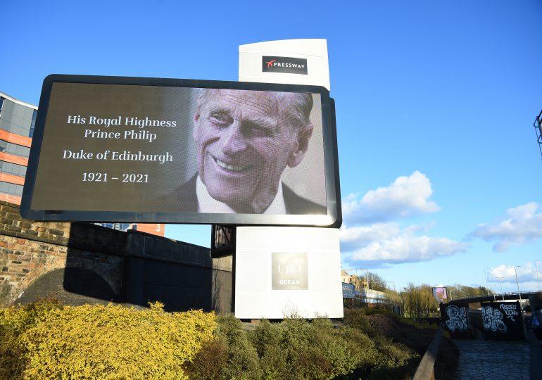 Casas reales y líderes mundiales saludan al príncipe Felipe y su larga vida de servicio