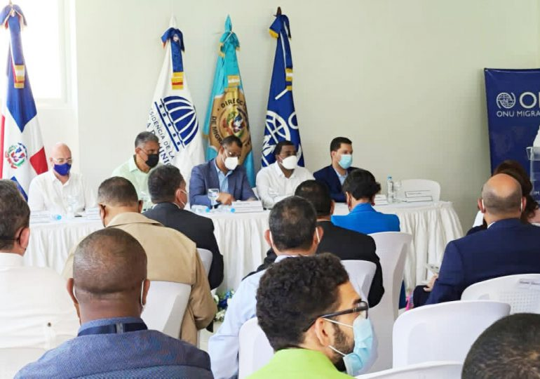 Organismos discuten diseño de programa de identificación fronteriza para comerciantes inmigrantes de Haití