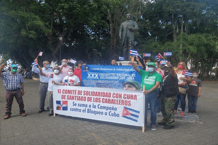 Cubanos y dominicanos exigen cese del bloqueo a la isla