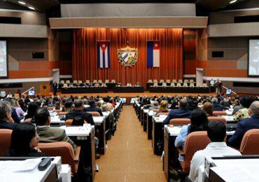 """Cuba y Rusia quieren reforzar su """"asociación estratégica"""""""