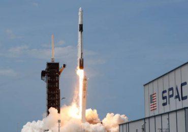 SpaceX se dispone a enviar cuatro astronautas a la Estación Espacial Internacional