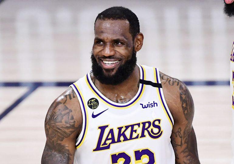 LeBron James regresa contra los Kings tras  larga ausencia por lesión