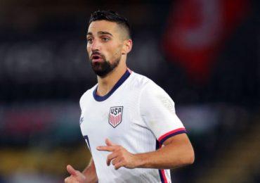 Suspenden a futbolista internacional de EEUU por insulto homófobo en redes