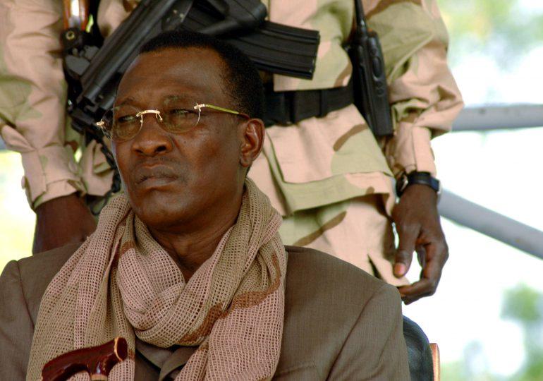 Muere el presidente de Chad tras resultar herido en el frente de batalla
