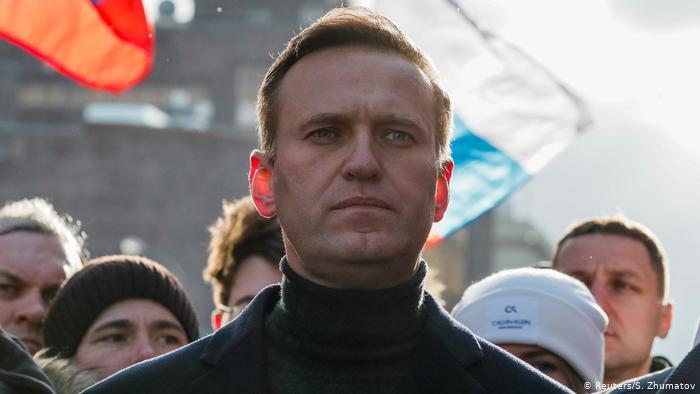 El encarcelado opositor ruso Navalni anuncia fin de huelga de hambre