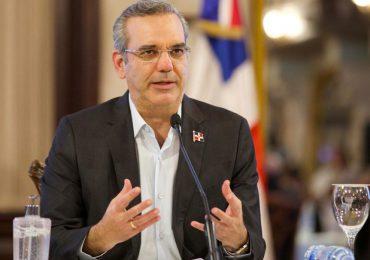 Presidente Luis Abinader pone en retiro 350 oficiales de la Policía Nacional