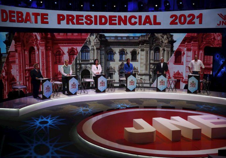 Perú llega a elecciones sin favoritos y con récord de casos de Covid19