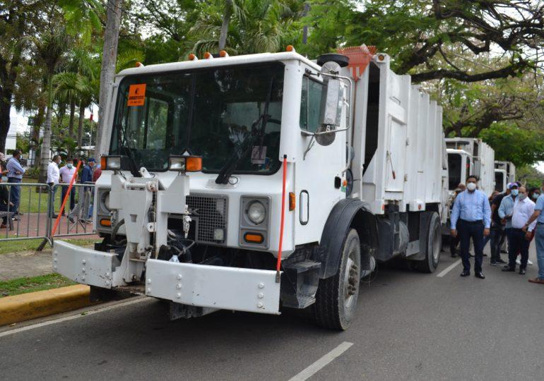 Alcaldía de La Vega invierte RD$ 9 MM en cuatro camiones compactadores