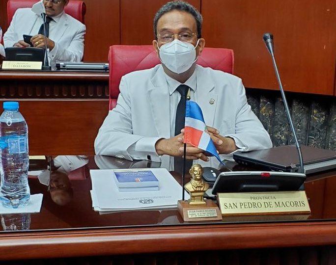 Senador de SPM entre los legisladores con mejor desempeño, según Congreso Nacional