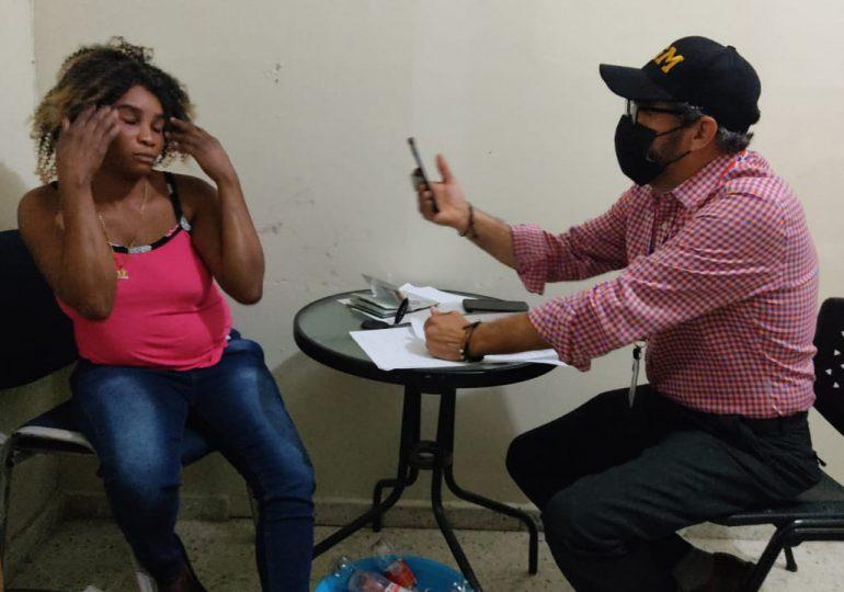 PN apresa en flagrante delito mujer por elaborar bebidas adulteradas (clerén) en Jarabacoa