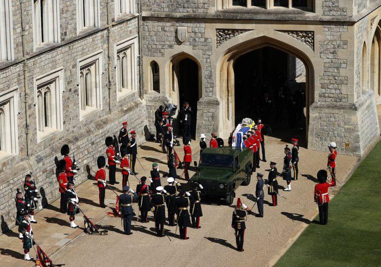 FOTOS | Inicia el cortejo fúnebre del príncipe Felipe, marido de Isabel II