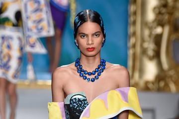 Modelo dominicana Annibelis Báez se queja de criticas que recibe en las redes