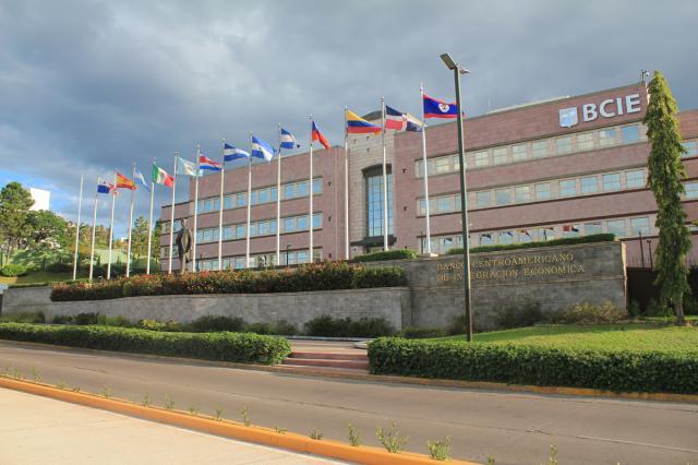 BCIE otorga crédito de USD 100 millones a Nicaragua para vacunas anticovid