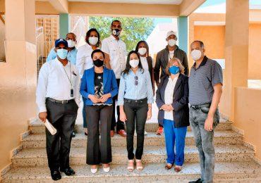 Comisión del Minerd supervisa centros educativos Navarrete