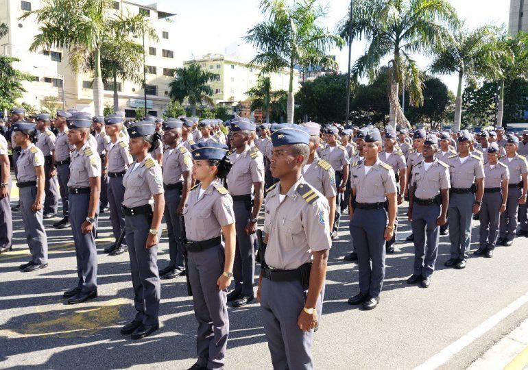 Revelan que a más de 300 policías le retienen 6 mil pesos de su salario